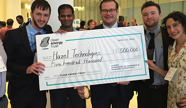 envisionit mentors winning team at the Clean Energy Trust Challenge