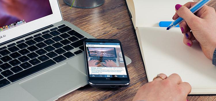 blog header DR v branding